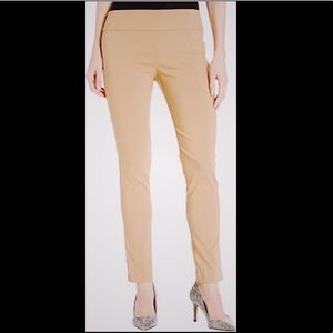 NWT Halston skinny pants in beige size small